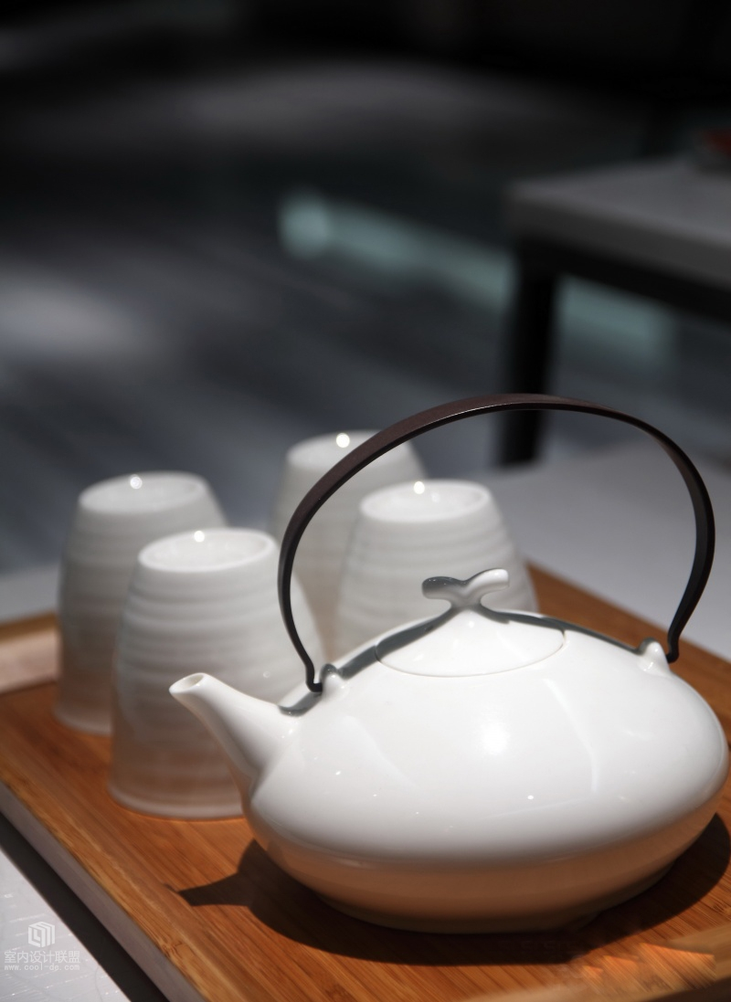 Ceramic Teapot - Sophisticated home with asian tone