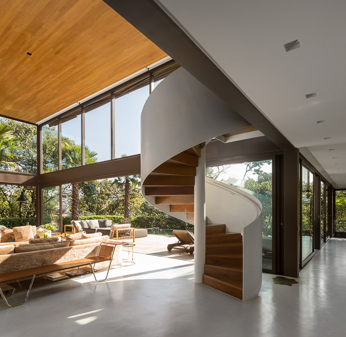 Closed In Spiral Staircase - Sunny open plan limantos residence
