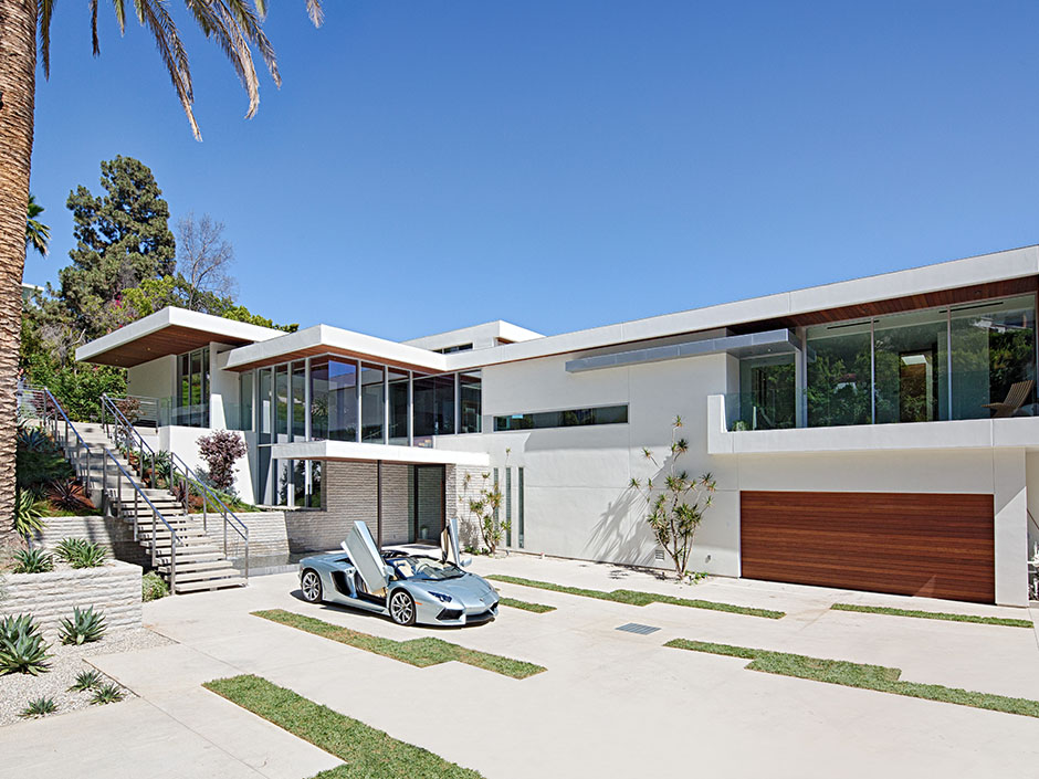 Contemporary architecture and interiors on sunset strip for Contemporary mansions