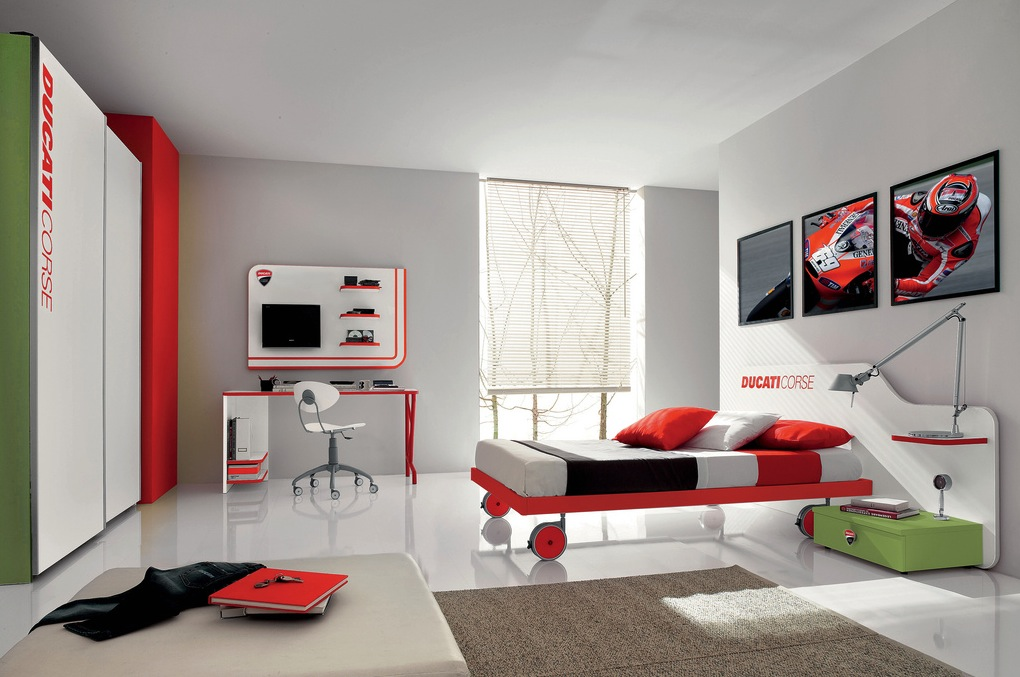 & Red green teenage boys room | Interior Design Ideas.