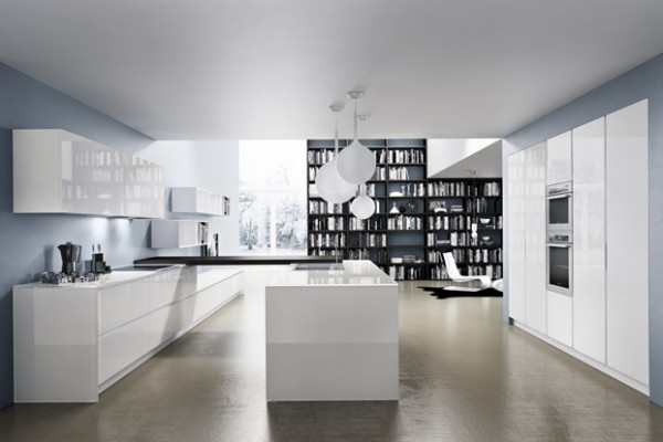 White gloss kitchen