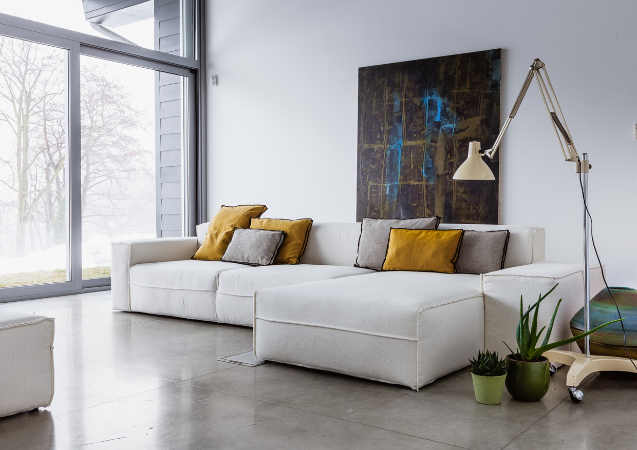 White l shaped sofa interior design ideas for Ausgefallene sofas
