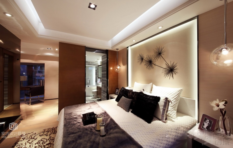 Elegant Bedroom - Sophisticated home with asian tone