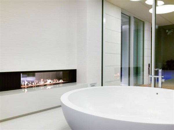 bathtub-fireplace