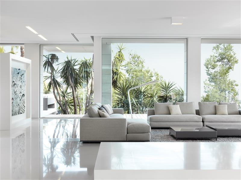 Living room with floor to ceiling glass windows interior for Floor to ceiling windows