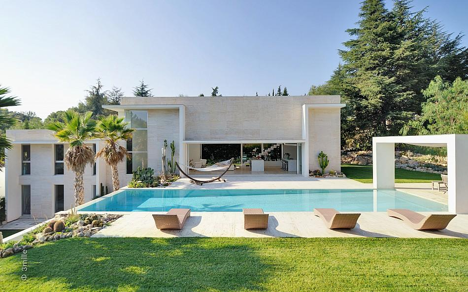 Modern villa with pool for Contemporary villa plans