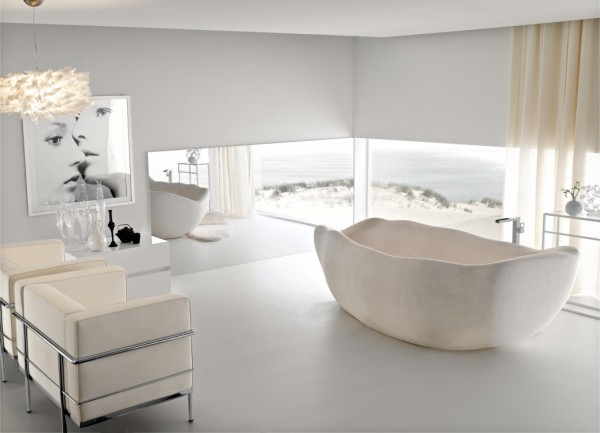 This freeform bathtub really breaks the mould–and in fact looks like it has been formed using no mould at all.