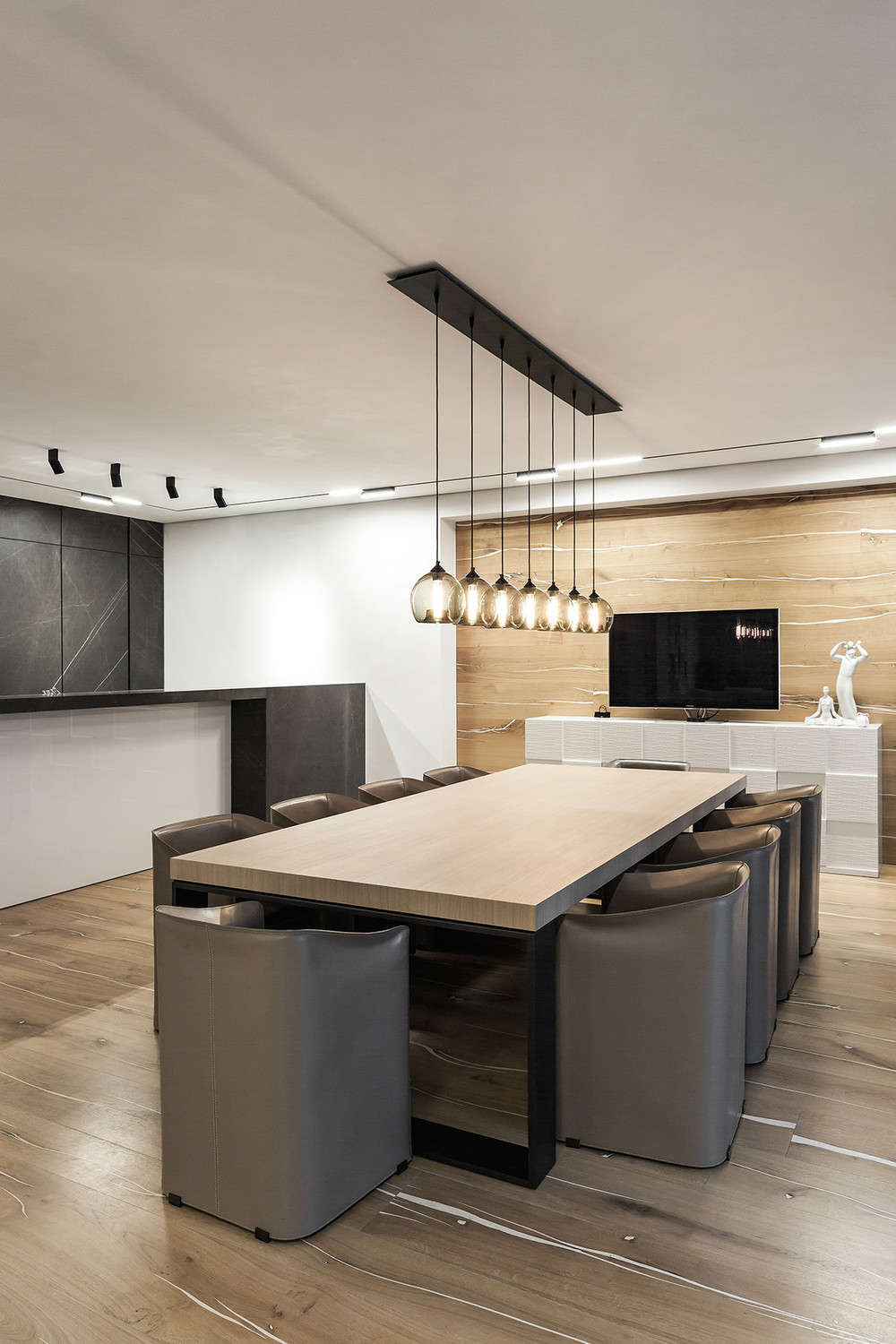 Taupe interior design for Salle a manger taupe