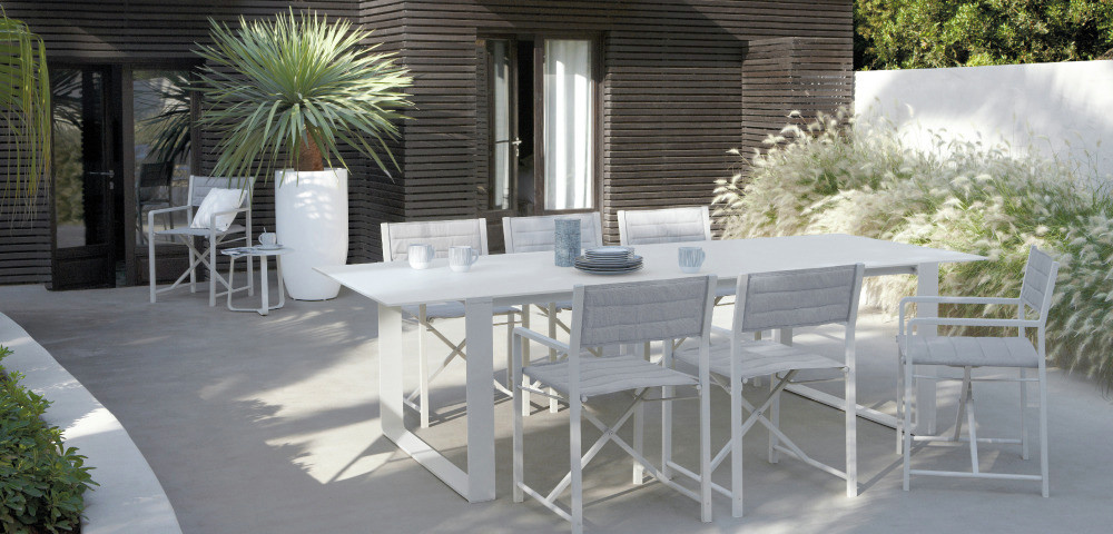 White outdoor dining set