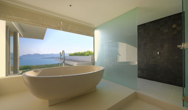 Contemporary bathroom scheme