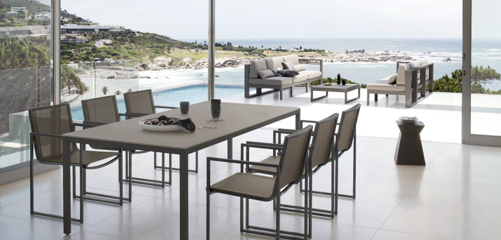 Modern outdoor dining set