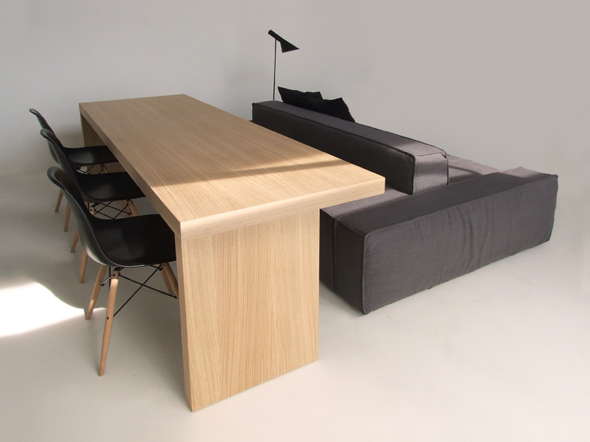 isolagiorno a layout ideal for small spaces. Black Bedroom Furniture Sets. Home Design Ideas