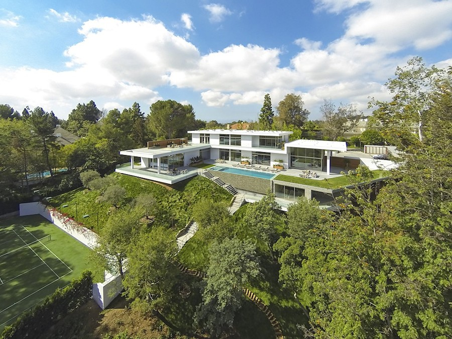 Hilltop home in bel air - Maison car park los angeles anonymous architects ...