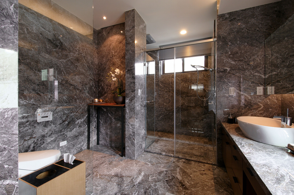 Marble Bathroom - Two chic apartments with adaptable home style