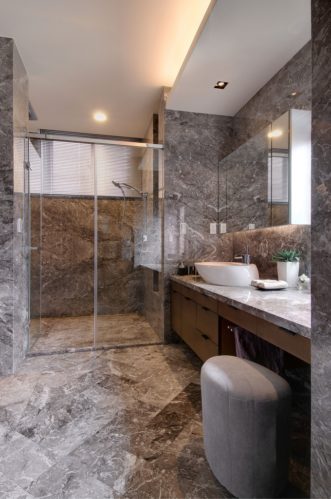Gray Marbled Bathroom - Two chic apartments with adaptable home style