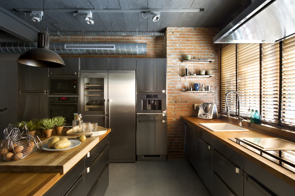 Industrial home with interior planting and transparent walls for Contemporary kitchen designs 2014