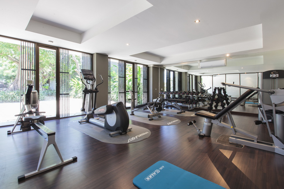 Sangsuri a luxury holiday rental villa in thailand for Luxury home gym
