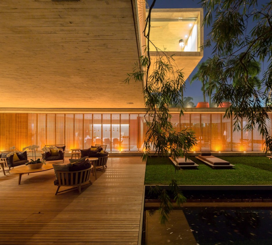 Open Layout House Concept By Studio MK27