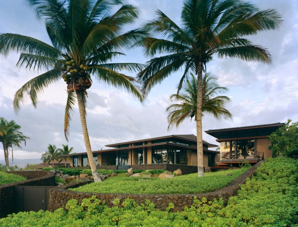 Tropical home landscaping
