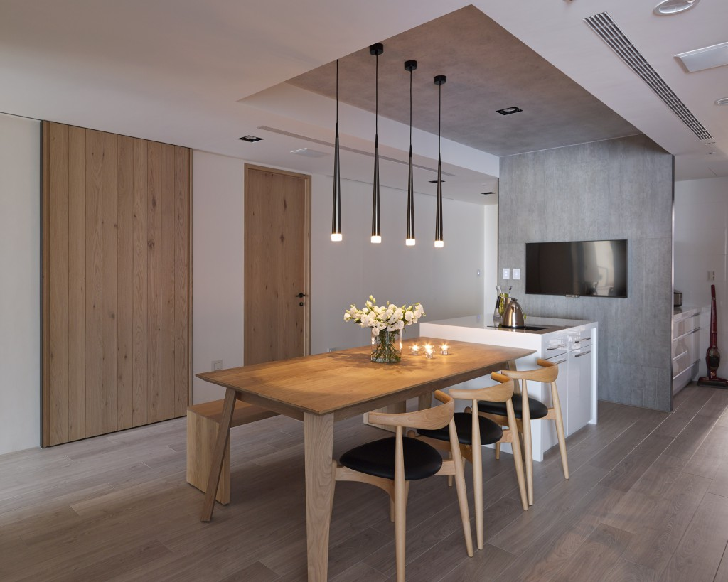 Wooden Dining Table - Some stunningly beautiful examples of modern asian minimalistic decor