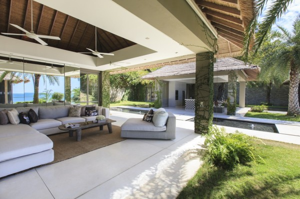 Indoor-outdoor living has been made absolute key in this luxury villa design. Multiple outdoor dining areas provide plenty of alfresco opportunities, and the walls of the kitchen-dining and lounge pavilions are none existent so that not one moment is wasted in being cooped up indoors when cooking, replenishing and relaxing.
