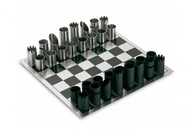 The Philippe chess game set is of an ultra modern design, made from tubular pieces of brushed matte stainless steel.