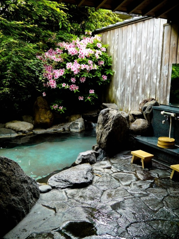 Gardens should be washed in zen style too.