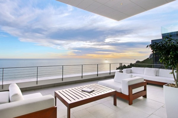 18 sea view deck