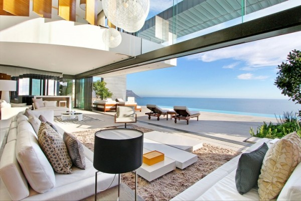 29 luxury sea view house
