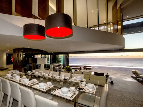 9 dining overlooking ocean