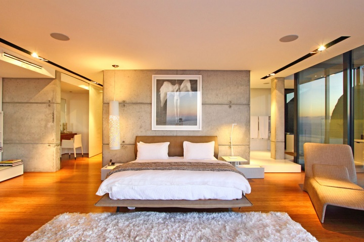 Large Master Suite - Breathtaking villa incorporating boulders in its design
