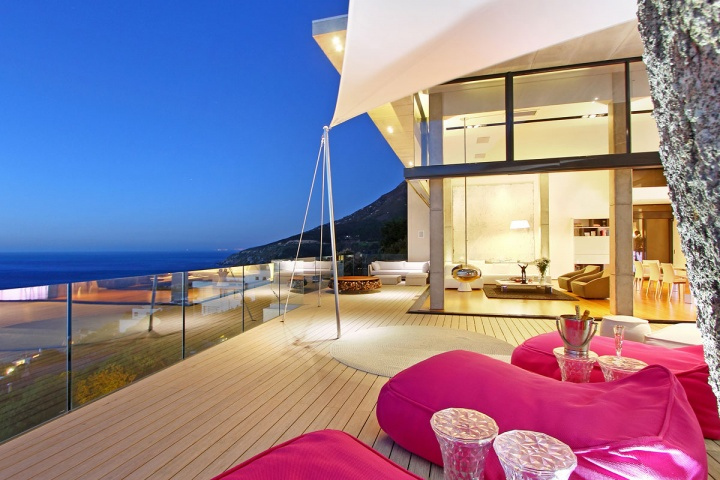 Lounge Deck Pink Furniture - Breathtaking villa incorporating boulders in its design