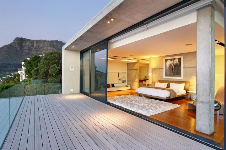 Master Suite Private Deck - Breathtaking villa incorporating boulders in its design