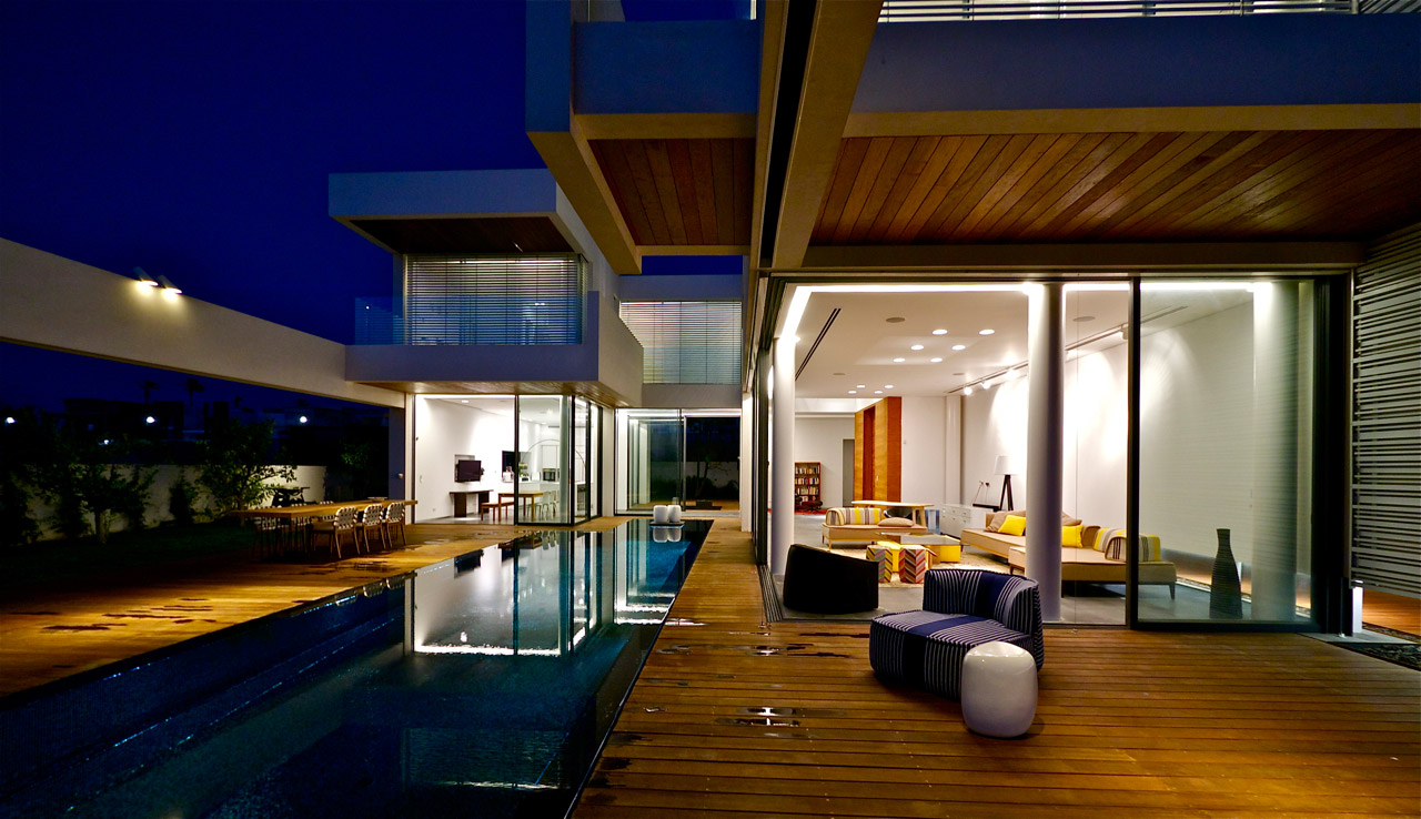 modern luxury villas designed by gal marom architects - Luxury House Exterior