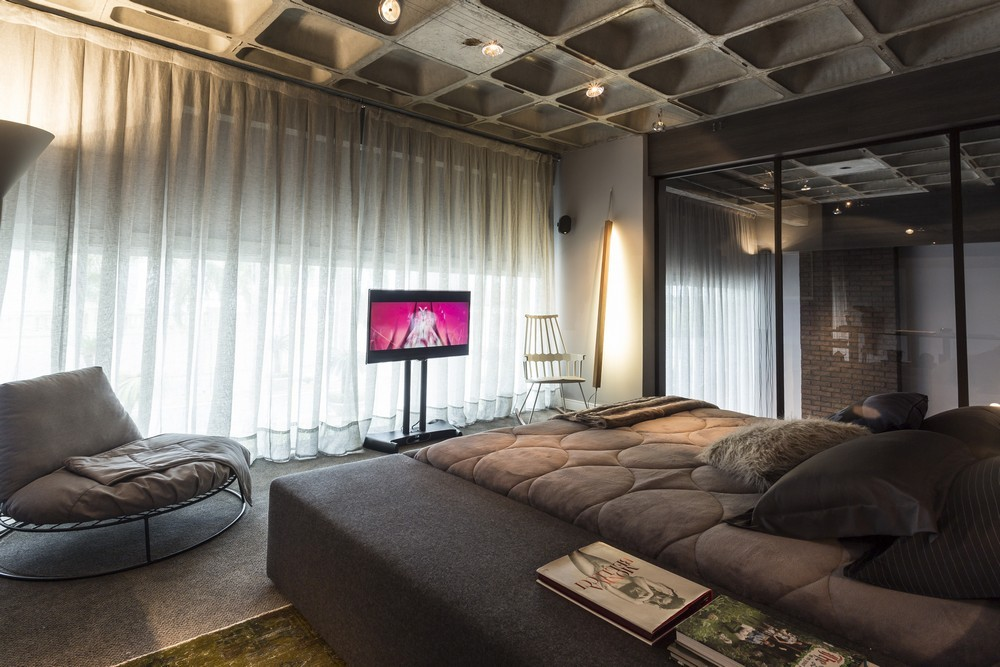 An artful loft design for Modern loft bedroom