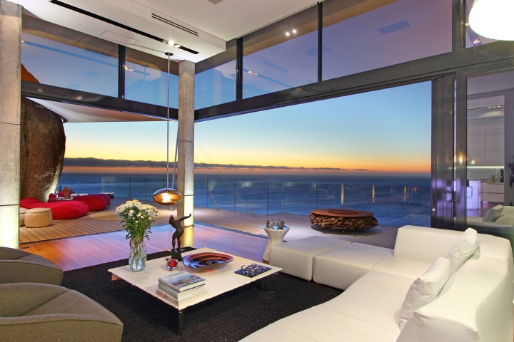 Beautiful Home Design With Modern Vintage Interior Ocean View The Natural Reflections Of The Setting Sun Bounce Off The Bamboo