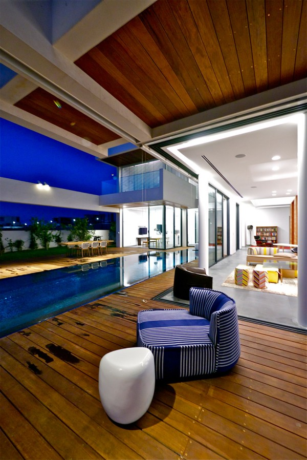 pool side seating
