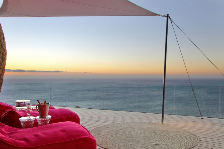 Sea View Sunrise - Breathtaking villa incorporating boulders in its design