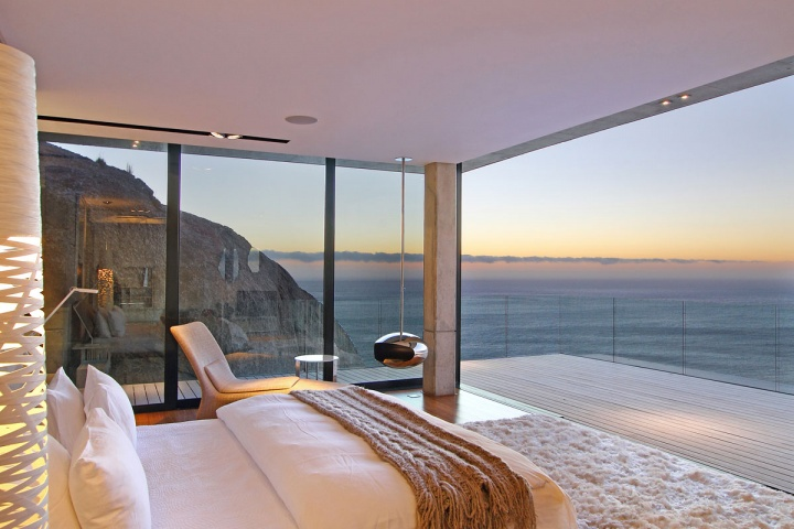 Sunrise Master Suite - Breathtaking villa incorporating boulders in its design