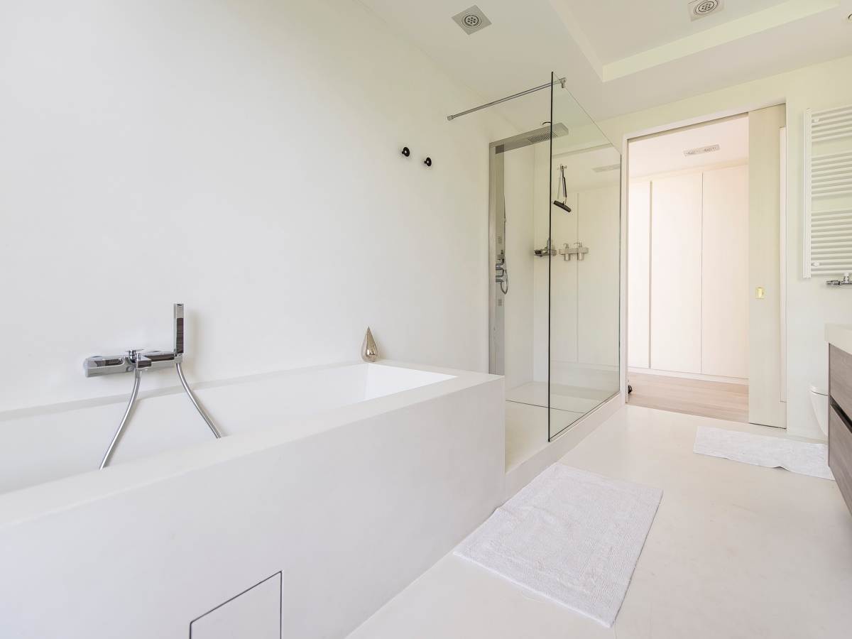 Clean White Bathroom - Stunning belgian family home with floor to ceiling windows