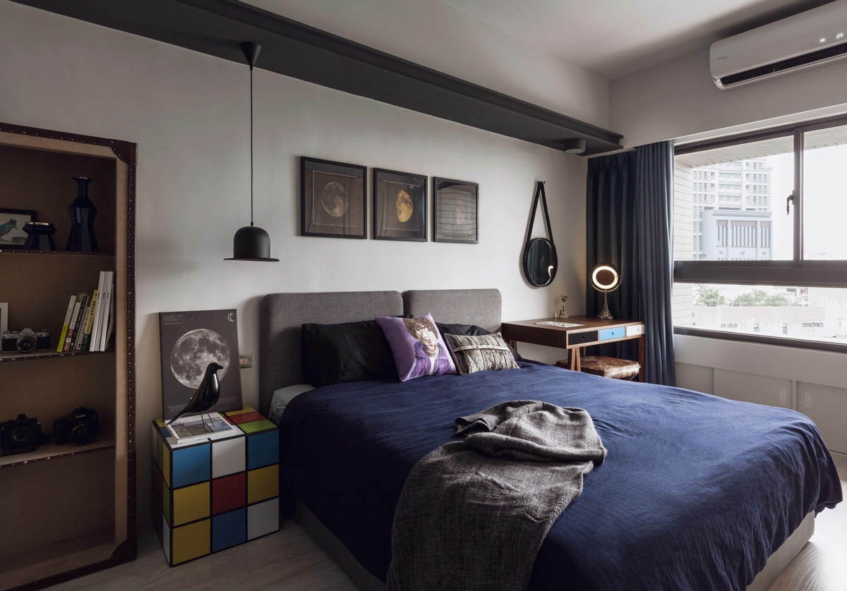 Fabulous marvel heroes themed house with cement finish and industrial feel - Bachelor bedroom design ideas ...