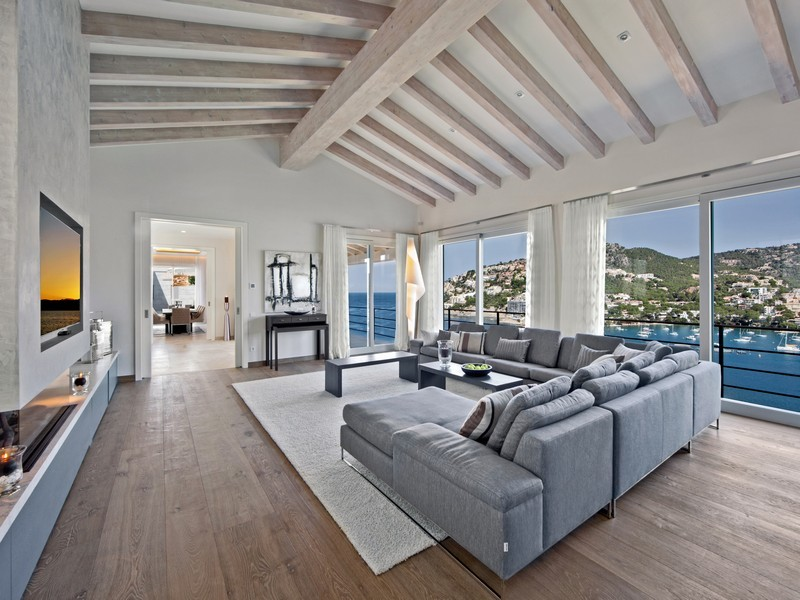Beautiful spanish villa with views of port d 39 andratx for Exposed wood beam ceiling