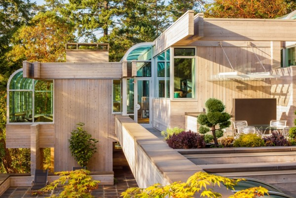 It's clear that both had been inspired by Frank Lloyd Wright's earlier work. This home, at 530 Salmon Rd., displays strong connections to nature throughout, with plenty of windows and natural material choices in addition to its strong, linear modernism.