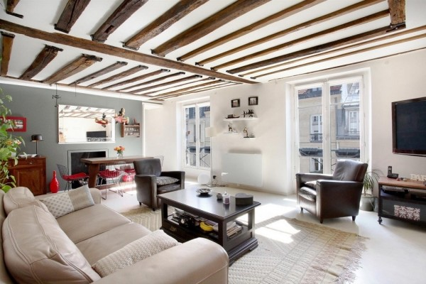 natural wood ceiling beams