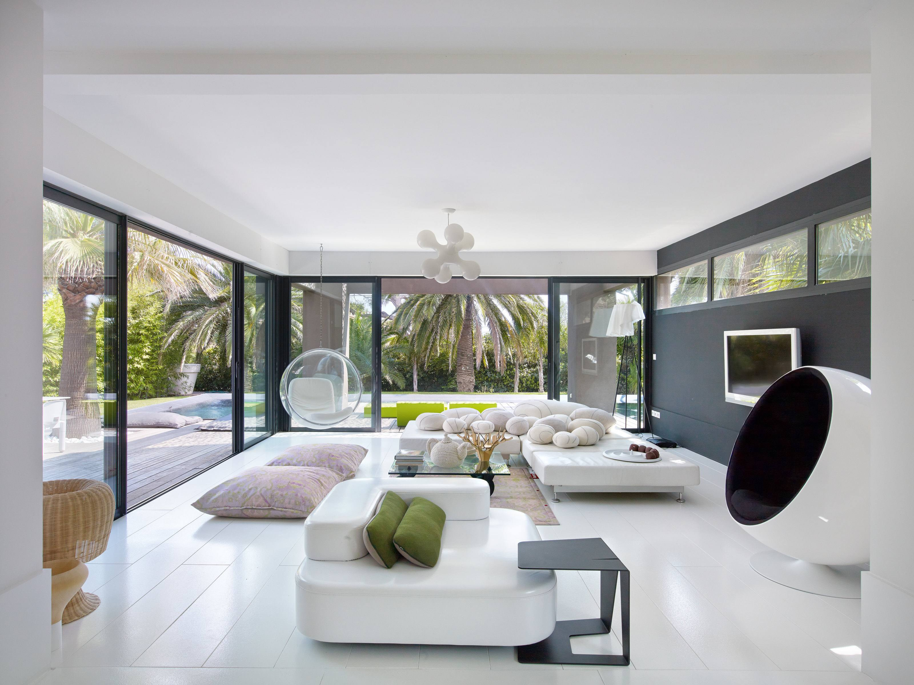 Playfully modern pleasantly colorful beautifully landscaped villa in saint raphael france - Lounge rooms ...
