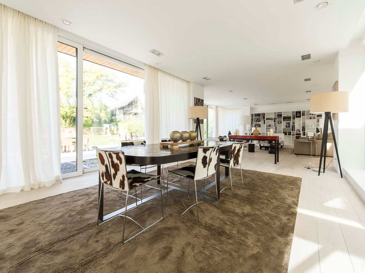 Soft Brown Rug - Stunning belgian family home with floor to ceiling windows