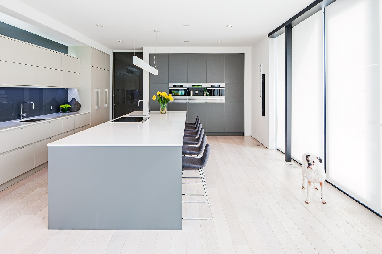 Breakfast Bar Design - Ultra sleek private home with incredible architecture