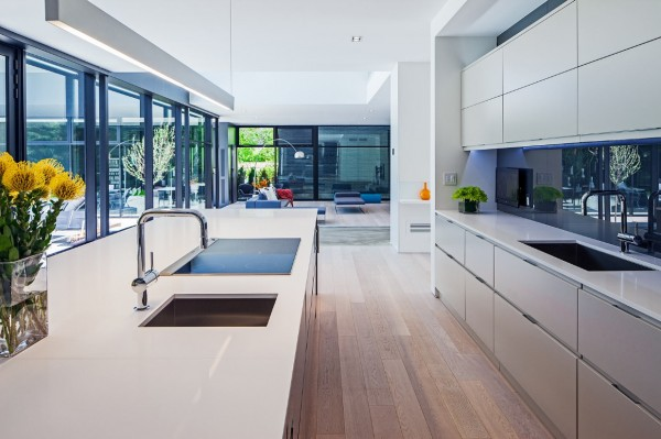There is plenty of kitchen space to have a few cooks, or staff, moving about.
