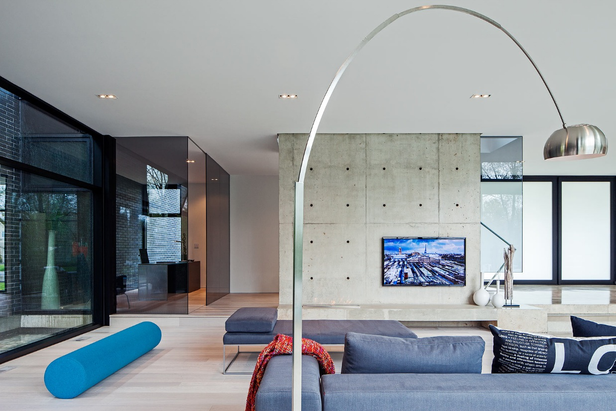 Modern Floor Seating - Ultra sleek private home with incredible architecture