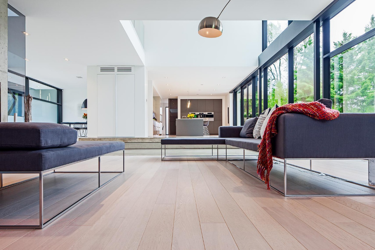 White Wall Design Ideas - Ultra sleek private home with incredible architecture